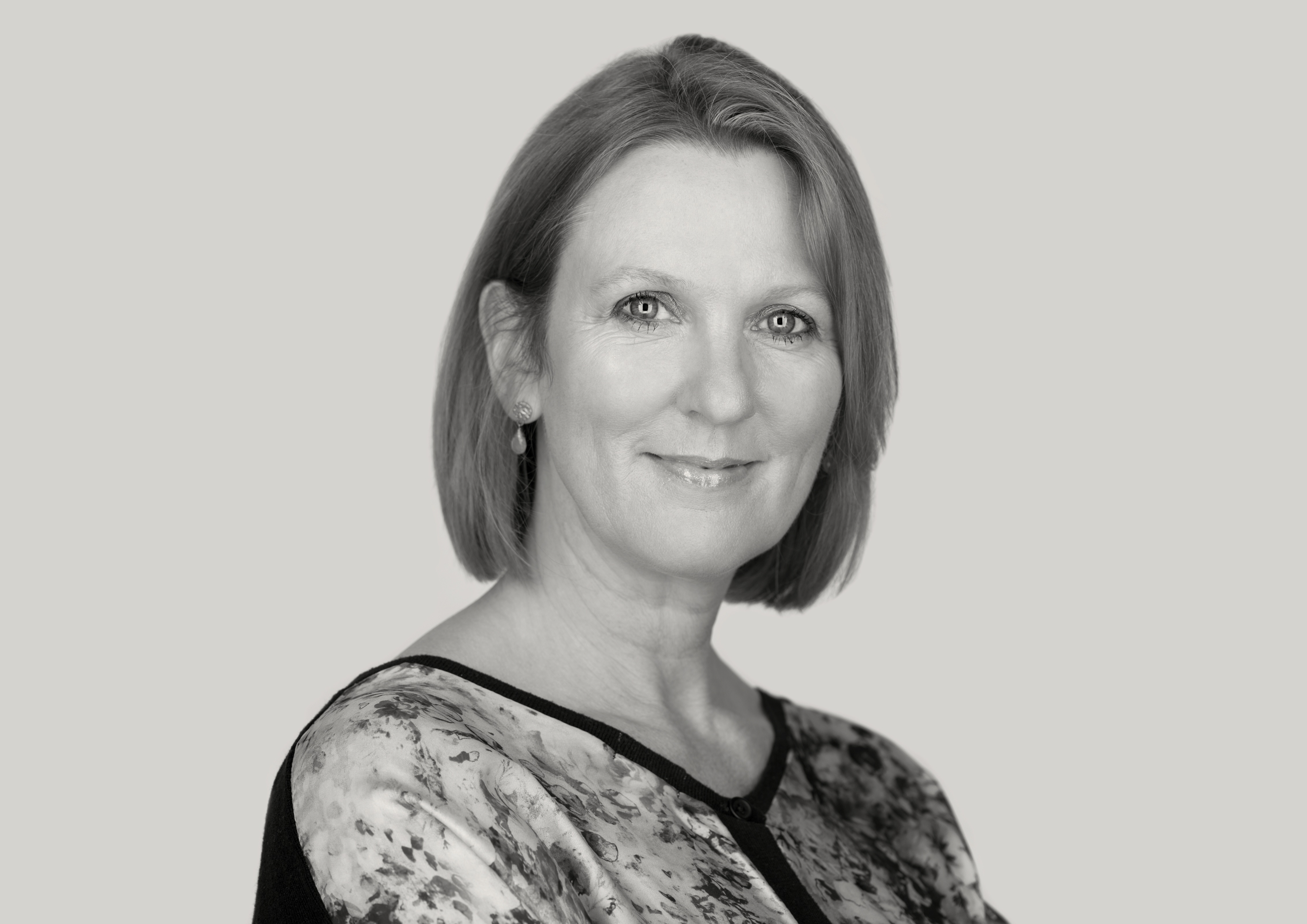 Annemarie Neary author pic