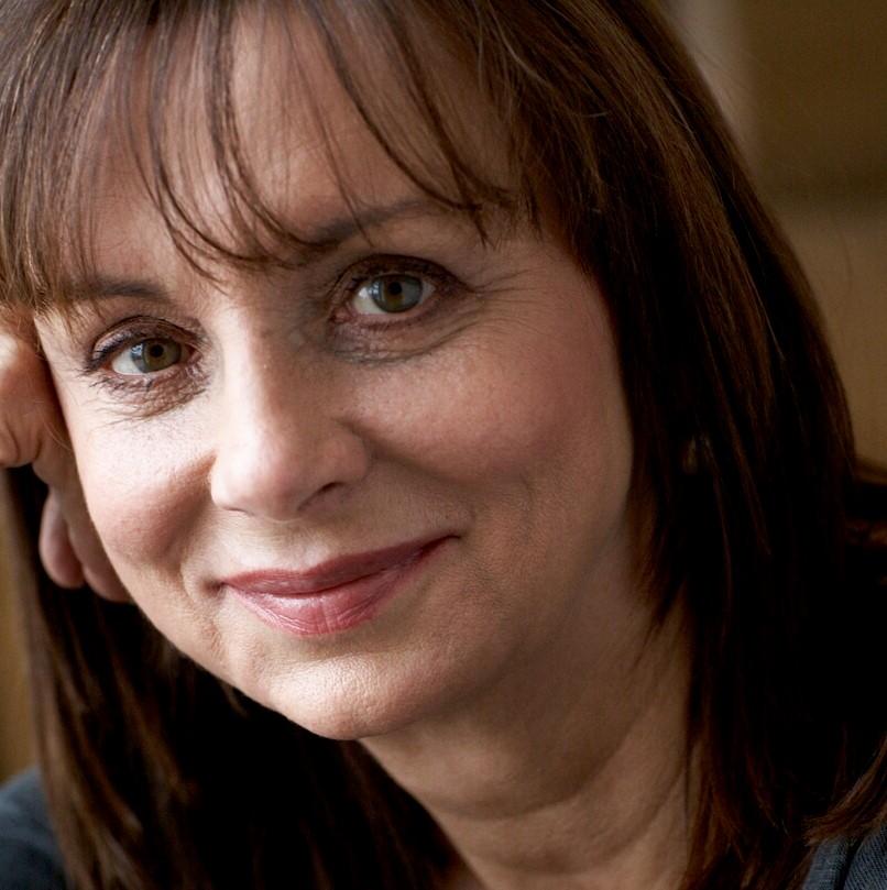 Elizabeth Buchan author pic